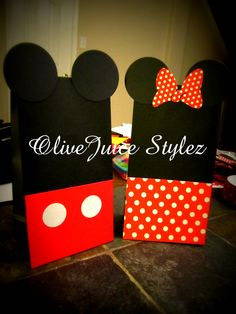 Mickey and Minnie Mouse party treat bags.