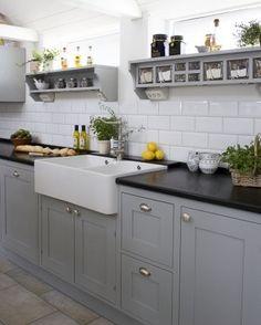 New kitchen inspiration grey cupboards ideas Grey Cupboards, Grey Kitchen Cabinets, Painting Kitchen Cabinets, Kitchen Grey, White Cabinets, Shaker Cabinets, Oak Cabinets, Black And Grey Kitchen, Painted Cupboards