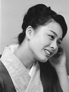 Komaki in her Japanese Beauty, Asian Beauty, World Famous, Beautiful Women, Actresses, Black And White, Film, People, Female Actresses