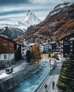After some years I could go to amazing Zermatt again. Already loved is a kid of course . The effect of the Matterhorn is like thi Zermatt, Oh The Places You'll Go, Places To Travel, Places To Visit, Switzerland Vacation, Switzerland Itinerary, Geneva Switzerland, Travel Aesthetic, Plein Air