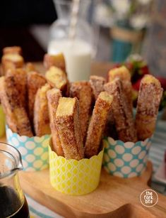Use a stale bread for your cinnamon French toast sticks to hold their shape. Bre… Use a stale bread for your cinnamon French toast sticks to hold their shape. Breakfast you can eat with your fingers and dip in syrup, rather than pour syrup Party Snacks, Appetizers For Party, Appetizer Ideas, Party Dips, Biscuits, French Toast Sticks, Cinnamon French Toast, Stale Bread, High Tea
