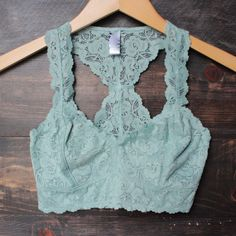 racer back all over scalloped lace bralette colors) Simple Outfits, Cute Outfits, Scalloped Lace, Lace Bralette, Playing Dress Up, Passion For Fashion, Dress To Impress, Sexy, Nice Dresses