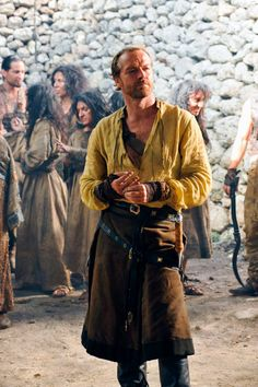 Iain Glen/Jorah Mormont. That pose!!;) <3 <3