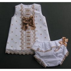 t. 6 meses Vestido con cubrepañal Little Girl Dresses, Girls Dresses, Frock Patterns, Baby Dress Design, Kids Frocks, Baby Boutique, Girl Doll Clothes, Baby Girl Newborn, Kids Outfits