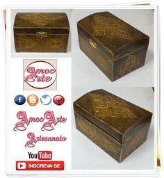 Peça organizadora - Baú Envelhecido com detalhe em relevo e dourado. http://amocarte.blogspot.com.br/