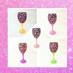 Etsy Handmade, Handmade Crafts, Handmade Items, Glitter Wine Glasses, Pink Leopard Print, Glass Animals, Handmade Decorations, Decoupage, Birthday Gifts