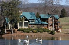 FALLING WATERS LODGE - 5BR/4BA, MOUNTAIN VIEW, LAKE VIEW LODGE, HOT TUB, WIFI, SAUNA, POOL TABLE, COMMERCIAL GRADE KITCHEN, 3 WOOD BURNING FIREPLACES, FLAT SCREEN TVs, LUXURY EVENT/WEDDING VENUE -CALL FOR PRICING!
