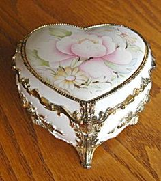 heart shape footed music box. got one just like this for my birthday years ago. It still works!