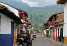 Discover the transformation of Medellin, Colombia. Our daily tours offer travelers a great opportunity to discover Medellin's fascinating history. Cultural Capital, Capital City, Latin America, South America, Cali, Innovative City, Train System, New Museum, Colombia