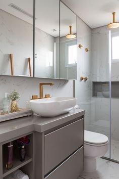 Ideas bathroom shower decor ideas layout for 2019 Modern Bathroom, Small Bathroom, Master Bathroom, Bathroom Ideas, Toilette Design, Mini Bad, Dream Bathrooms, Bathroom Interior Design, Small Apartments