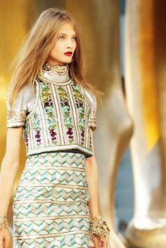 monsieurwintour:    Anna Selezneva | Chanel Couture - Fall 2010