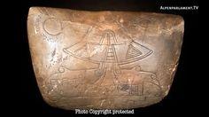[3 films-vidéos] [Conférences scientifiques] Preuves archéologiques de la présence extra-terrestre aux cotés des Mayas Human Giant, Film Gif, Alien Artifacts, Sumerian, Ancient Aliens, Archaeology, Mystery, Mysterious, Fallen Angels