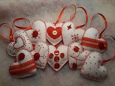 39 Brilliant Ideas How To Use Felt Ornaments For Christmas Tree Decoration 03 Easter Tree Decorations, Felt Christmas Decorations, Christmas Ornaments To Make, How To Make Ornaments, Christmas Mix, Christmas Candles, Christmas Wood, Christmas Projects, Christmas Ideas
