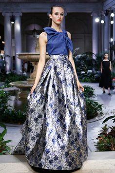 Carolina Herrera   Ready-to-Wear Spring 2017   Look 5