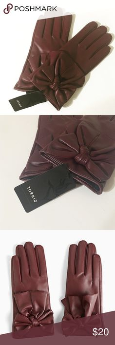 Faux Leather Bow Gloves These have never been worn. NWT. Perfect condition. Ships immediately. Smoke and animal free home. No trades, no PayPal, no lowballing. To clean: wipe down with damp cloth. Polyester material. torrid Accessories Gloves & Mittens