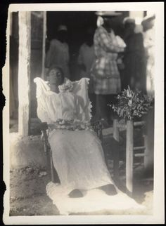 Rare PM portrait of a black woman outside. I like this one.Alive.So our Lord died that we might LIVE!
