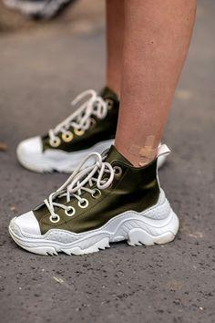 save off 241f1 2cf75 Paris Fashion Week SS19  The 20 Best Sneakers Worn · Skor SneakersSkor MönsterVinterNike ...