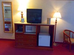Standard Queen Hotel Room - Spacious and comfortable! You will enjoy Gatlinburg to the fullest when you stay with us!
