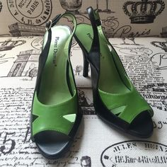 """NEW Black and Green heels •NEVER BEEN WORN• BRAND NEW• Pierre Dumas green and black leather heels. <<Comes with Box!>> Supportive 4"""" heel. •Make me an offer! Anything is negotiable!• Pierre Dumas Shoes Heels"""
