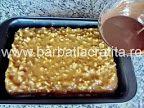 Prăjitură cu nucă şi cremă caramel   Rețete BărbatLaCratiță Creme Caramel, Vegetables, Food, Creme Brulee, Essen, Vegetable Recipes, Meals, Yemek, Veggies