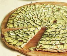 Zucchini Tart with Lemon Thyme & Goat Cheese. I may need recipes like this the way my zucchini plant is looking! Vegetarian Dinners, Vegetarian Recipes, Cooking Recipes, Veg Recipes, Zucchini Tart, Zuchinni Pizza, Lemon Zucchini, Zuchinni Recipes, Do It Yourself Food