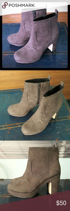 NWOB! H&M Premium suede platform booties, sz 8 Brand new without box: Soft smoky gray micro suede platform ankle boots, chunky heel. Platform is about 1 inch, heel about 4 inches. Beautiful and very comfortable booties; I simply never get to wear these. US 8, TTS. Ships from a smoke-free, expertly dog-supervised home. :-) Top-rated seller, Top10% seller & fast shipper, so buy with confidence! :-) H&M Shoes Ankle Boots & Booties