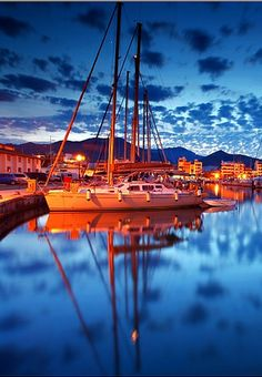Port de Pollença - Mallorca, Spain ~ Toby was sent to Mallorca for a month to work on the Burger Boats docked there. Menorca, Beautiful Islands, Beautiful World, Beautiful Places, Ibiza, The Places Youll Go, Places To See, Balearic Islands, Spain And Portugal