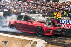 (at Summernats - Liqui Moly Burnout Track) Aussie Muscle Cars, Best Muscle Cars, Chevy Ss, Chevy Impala, Holden Maloo, Australian Cars, Holden Commodore, Car Goals, Drag Cars