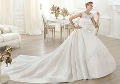 Pronovias presents the Laudin bridal dress. Collection 2015 COSTURA   Pronovias