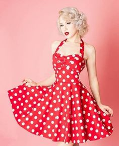 Thinking of going vintage. Red Polka Dot Vintage Style Polka Dot Halter Dress / Pin Up Mode Rockabilly, Rockabilly Fashion, Retro Fashion, Vintage Fashion, Rockabilly Dresses, Rockabilly Clothing, Pin Up Fashion, Dots Fashion, Latex Fashion