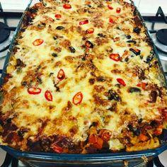 Made the chilli pasta bake recipe from Pinch of Nom I doubled everything and made a huge one for all the family! Baked Pasta Recipes, Baking Recipes, Beef Recipes, Slimming World Chilli, Chilli Pasta, Slimmimg World, Sw Meals, Cooking Whole Chicken, Slimming World Recipes
