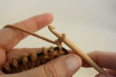 Making the knit stitch is really very easy. It is basically the same thing as a crochet slip stitch. The difference is that your stitches are held live on a cord and look like an upside down U, ins…