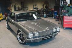 Jaguar XJC Restomod created by Hinckley-based Retropower - Drive Jaguar Xj40, Jaguar E Type, Jaguar Cars, Classic Cars British, Lexus Gs300, American Racing, Engine Swap, Classic Motors, Custom Cars