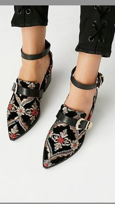 Next Post Previous Post shoes Trending Fashion High Heels Schuhe Trending Mode High Heels Cute Shoes, Women's Shoes, Me Too Shoes, Shoe Boots, Ankle Boots, Flat Shoes Outfit, Flat Work Shoes, Loafers Outfit, Work Flats