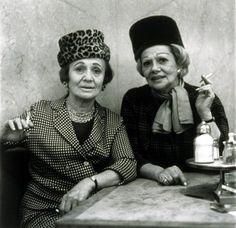Diane Arbus, Two ladies at the automat, N.Y.C. 1966