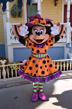 Halloween Minnie Mouse. Too cute!!!