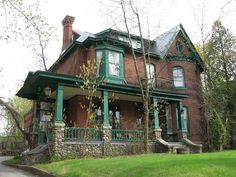 Sherbrooke old ladie by Mario Hains on Victorian Front Garden, Victorian Porch, Victorian Homes, Red Brick Exteriors, Modern Log Cabins, Old Houses, Brick Houses, House Trim, Street House