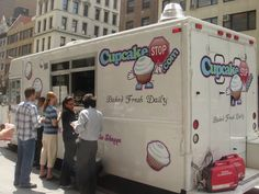cupcake truck NYC,this place was amazing! If you are in NYC pls stop for a cupcake!! They are incredible.