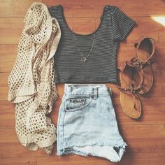 Cute Summer Outfits For Teens 14 - Fashiotopia Tumblr Outfits, Mode Outfits, Casual Outfits, Casual Shorts, Denim Shorts, Casual Clothes, Winter Clothes, Blue Shorts, High Waisted Shorts
