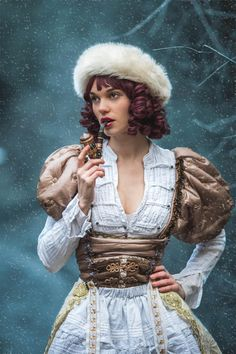 Costume steam steampunk doll pipe fume white and gold hiver neige snow russian doll mad'Hands création Photo : Pierre Vermare