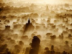 Picture of the temples, stupas, and pagodas of Bagan, Myanmar