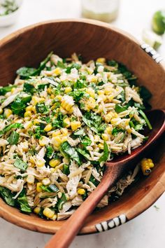Roasted Corn Chicken Orzo Salad with Garlic Lime Vinaigrette Recipe Little Spice Jar A quick and easy chicken orzo salad loaded with roasted corn and poblano peppers. Drizzled with a garlic lime vinaigrette. It's such a healthy salad! Corn Chicken, Chicken Orzo, Butter Chicken, Roasted Chicken, Roast Chicken Salad, Healthy Salads, Healthy Eating, Healthy Recipes, Healthy Pasta Salad