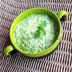 Pesto, Edible Wild Plants, Dutch Oven Cooking, Organic Farming, Medicinal Plants, Free Food, Natural Remedies, Food To Make, Herbalism