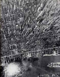 Amazing vertical view of Manhattan, New York, in 1944