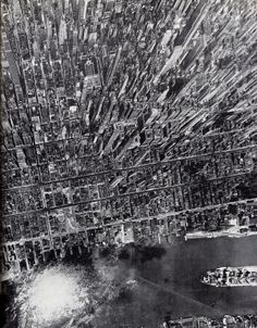 Amazing vertical view of Manhattan, New York, in 1944