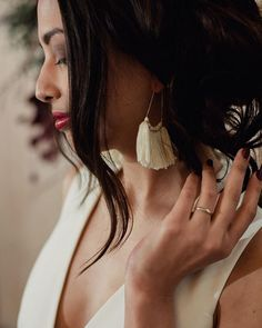 Fringe-y tassel earrings? Sign me up! Especially in love with this shot from the styled shoot I did back in February @peachedsocialhouse. HMUA: @ericagraybeauty and fabulous earrings c/o @blushbridallounge . . . . #austinweddingphotographer #austinweddings #weddinginspo #austin #atxphotographer #austintxphotographer #texasweddings #igaustintexas  #uniquewedding #justmarried #heyheyhellomay #atxweddings #acolorstory #texasweddingphotographer #loveintentionally #loveauthentic…