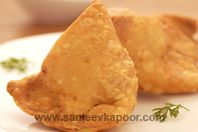 International Food Recipes By Master Chef Sanjeev Kapoor Indian Sauces, Indian Dishes, Holi Recipes, Indian Food Recipes, Pakistani Dishes, Indian Breakfast, Indian Street Food, Happy Foods, Appetisers