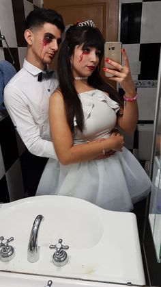 2018 Couple Halloween Costumes, Halloween Outfits, Halloween Disfraces, Reception Decorations, Couple Goals, Pin Up, Formal Dresses, Couples, Swimwear
