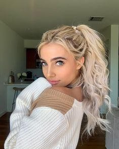 Shop the latest arrivals at SHEIN, always stay ahead of the fashion trends. Hundreds of new looks updated every day! Celebrity Hairstyles, Cool Hairstyles, Women's Dresses, Famous Youtubers, Blonde Hair Looks, Brent Rivera, Celebrity Stars, Shops, Crop Top Outfits