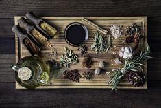 A fűszernövények az egészségük megóvásában is segíthetnek. Melyek a legértékesebb természetes segítőink? Diabetes, Wine Rack, Curry, Decor, Spice, Natural Remedies, Diet, Turmeric, Curries